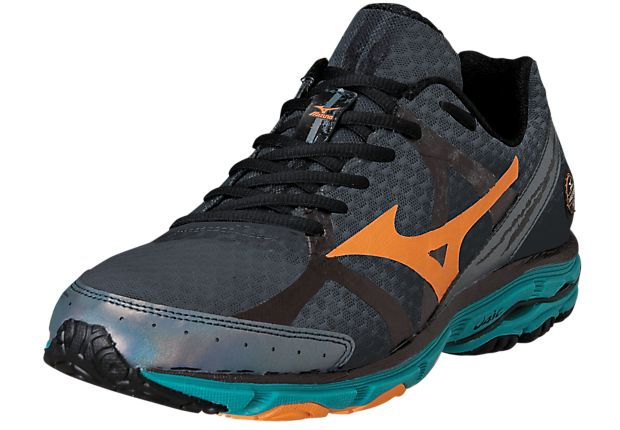 """Men's @Mizuno Running wave rider 17! Now in-store. """"An absolute runners favorite for 16 years has been refined even further!"""""""