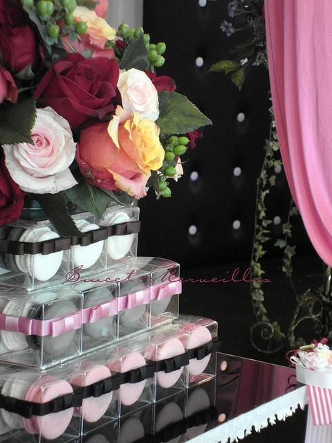 Macaron Wedding Cake #macaronday