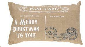 Kussen in  kerst enveloppe vorm - witte tekst Post Card: http://www.homi.nl/a-41374236/kerst/kussen-in-kerst-enveloppe-vorm-witte-tekst-post-card/