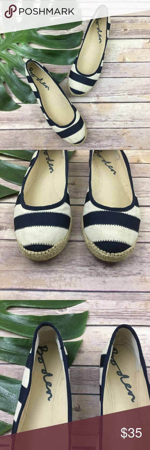 Boden blue & white stripe ballet flats Boden blue & white stripe espadrille slip on flats, size 41 (10). They are free from any rips or stains. Boden Shoes Flats & Loafers