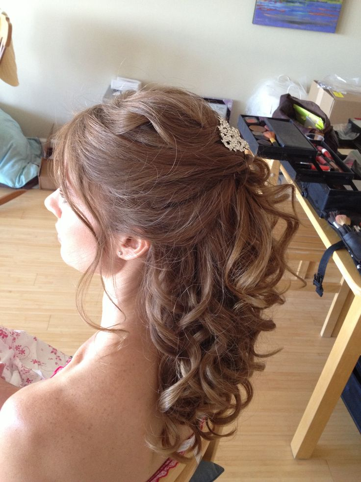 Romantic half up-do. Up do with loose waves and hair brooch. Sexy beachy hair, loose up do perfected by Jen owner of Beauty Couture Inc.