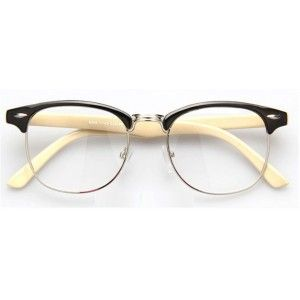 Notre bijou de ce debut d'année, la paire de lunette style clubmaster sans corresction monture Noir/beige ! soyez rétro grâce à cette magnifique paire #eyeglasses #eyeware #vintage #retro #lunettes #shades #frames #lunettevintage #fashionaccessories