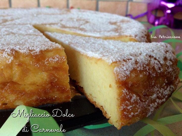 Il Migliaccio Dolce appartiene alla tradizione napoletana classica... preparato nel periodo di Carnevale, è un dolce molto gustoso che ricorda la pastiera!