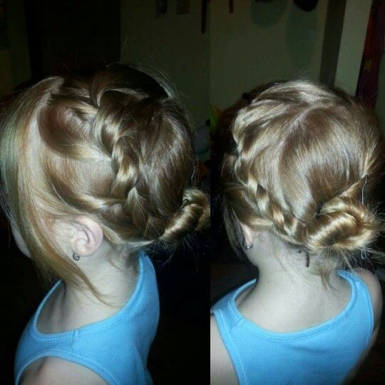 Elsa Frozen Inspired Hair we did for picture day was actually really easy!