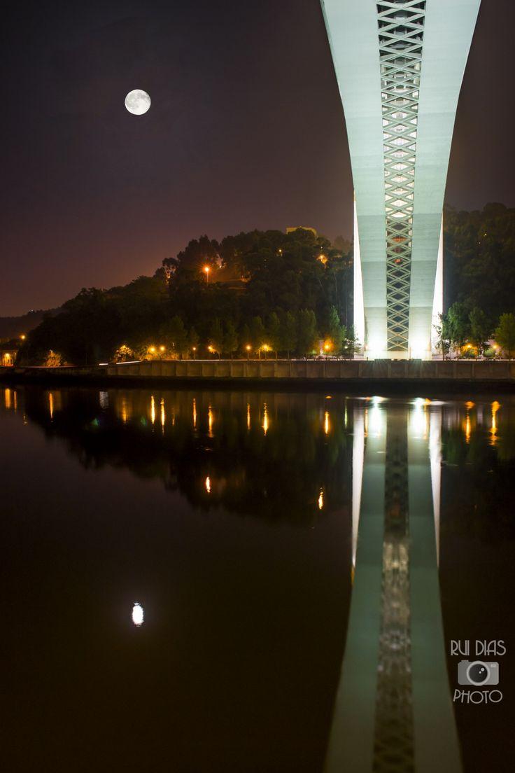 Ponte da Arrábida www.webook.pt #webookporto #porto #pontes Foto de Rui Dias