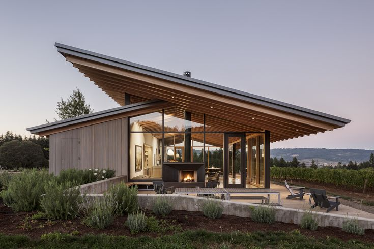 Completed in 2016 in Newberg, United States. Images by Jeremy Bittermann. This new family-owned winery is located on 23 acres outside of Newberg, Oregon in Yamhill County. The goal was to create a tasting room experience...