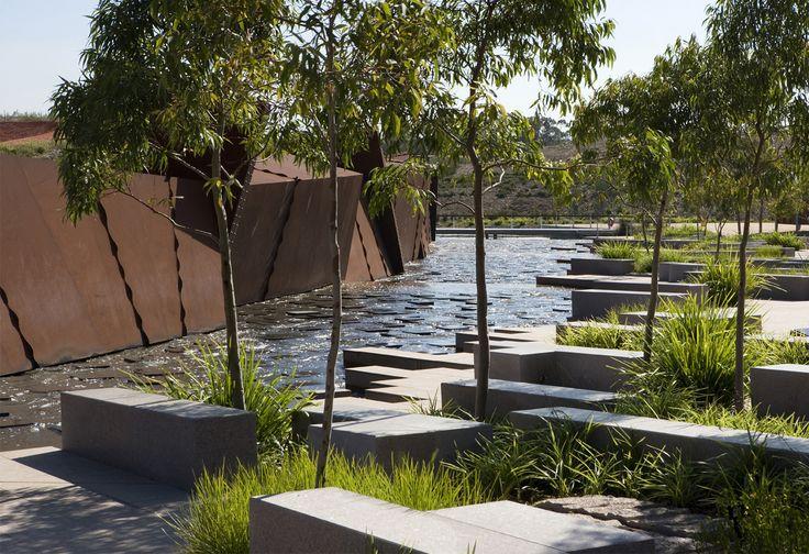 AUSTRALIAN GARDEN. Royal Botanic Gardens, Cranbourne, Victoria. Australia. 2012.