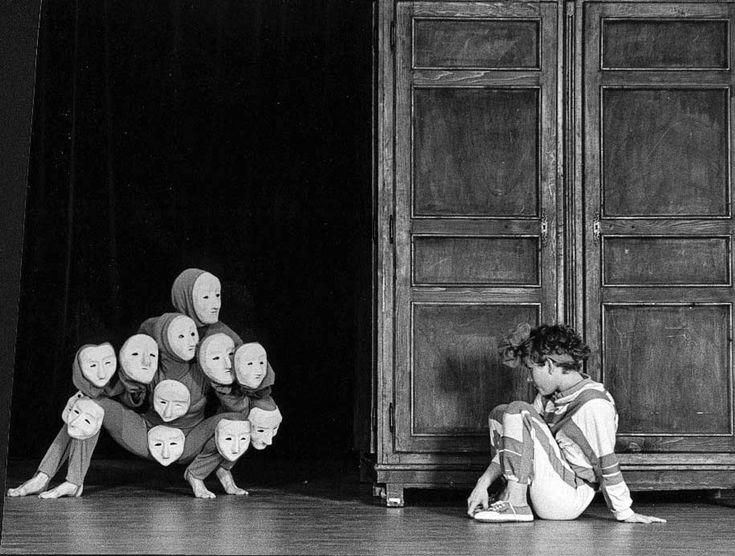 Catherine et l'armoire   Théâtre du Mouvement