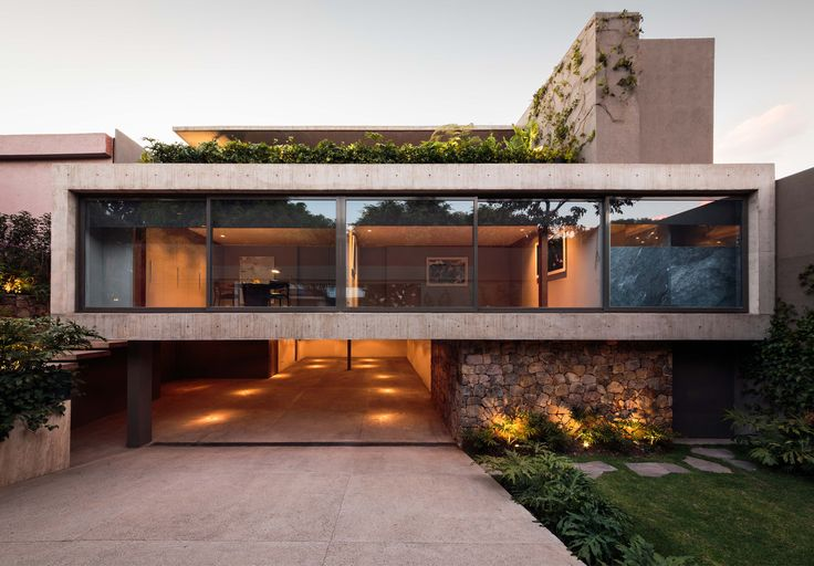 Completed in 2016 in Ciudad de Mexico, Mexico. Images by Nasser Malek. Located in a residential area of Mexico City, Caúcaso House rises one meter and thirty centimeters above the sidewalk in order to take advantage of...