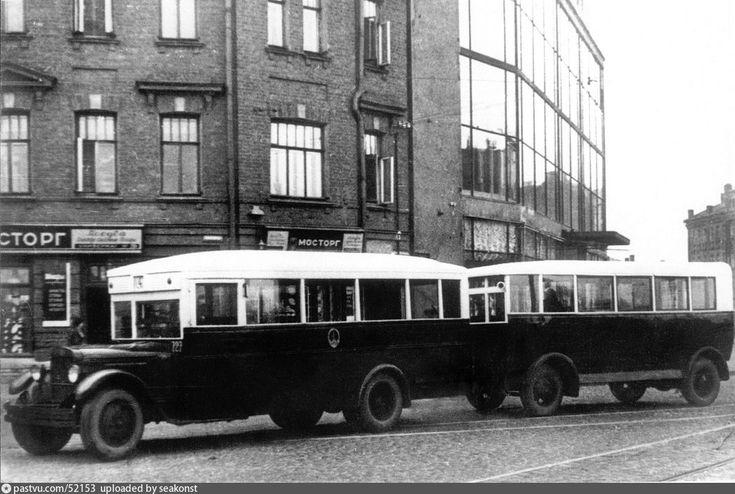 Пресненский вал, угол улицы Красная Пресня. Автобус ЗиС-8. 1936 год