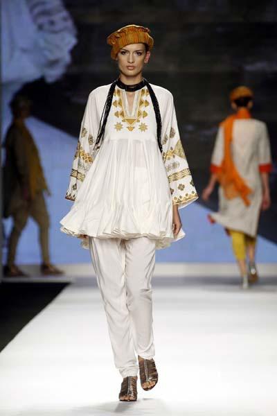One of stocked designers @Maheenkhanpk creation on the catwalk