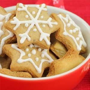 Νόστιμα και τραγανά χριστουγεννιάτικα μπισκότα χωρίς ζάχαρη με στέβια και αλεύρι ολικής άλεσης.