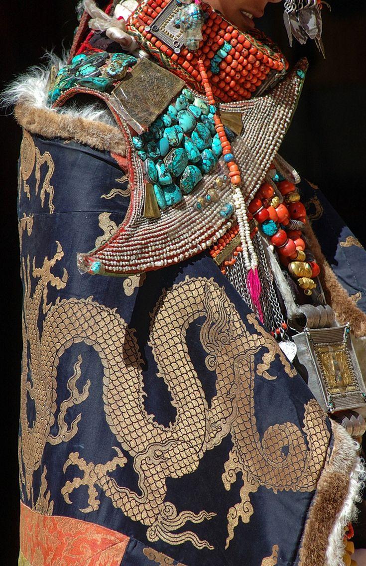 """Tibet   Details; """"All Dolled Up"""". Ali region   ©Rufeng0758, via flickr"""