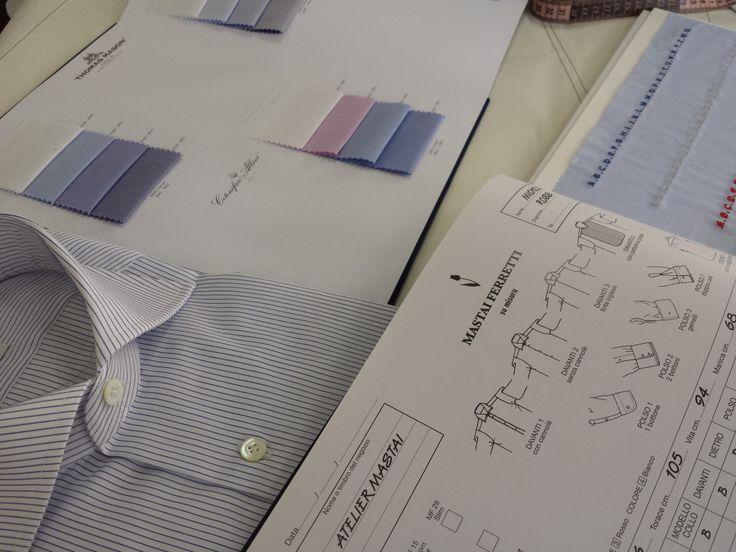 """Magazinele Colonna va ofera serviciul """"Su Misura""""  Prin acest serviciu clienții, împreună cu consultanții Colonna, își pot  croi și personaliza  propria cămașă. Se poate alege tiparul, materialul, gulerul, manșetele, buzunarul și  inițialele brodate."""