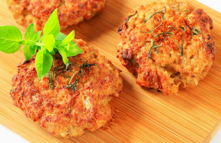 Cauliflower Fritters - A delicious way to serve up cauliflower that is low in fat, calories & carbs!