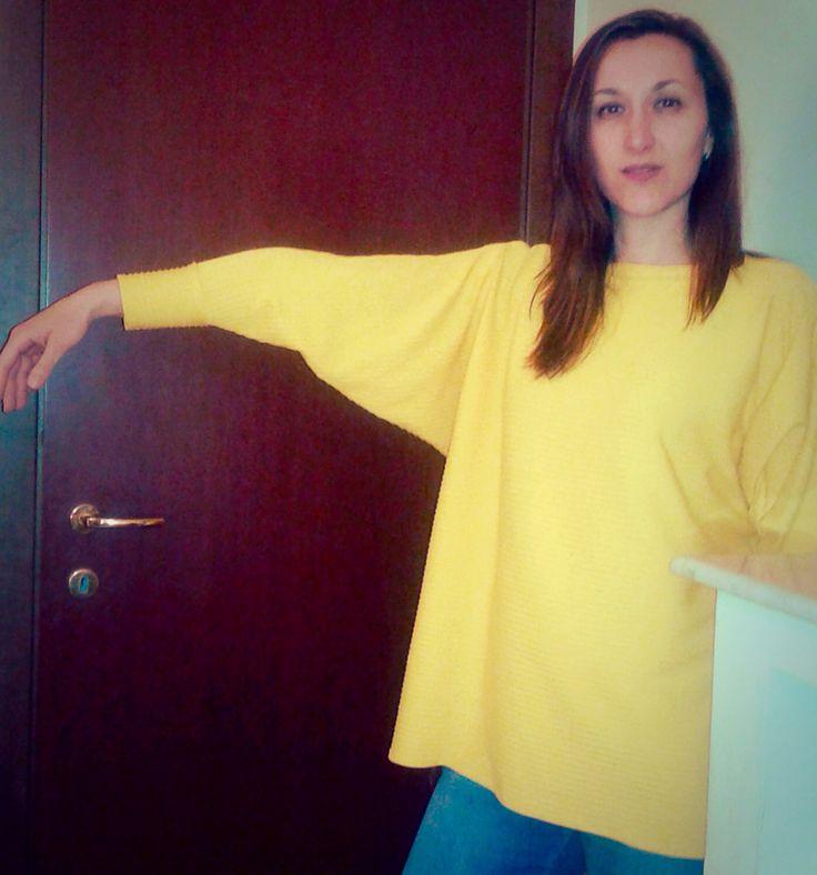 Maglia da donna elasticizzata color giallo
