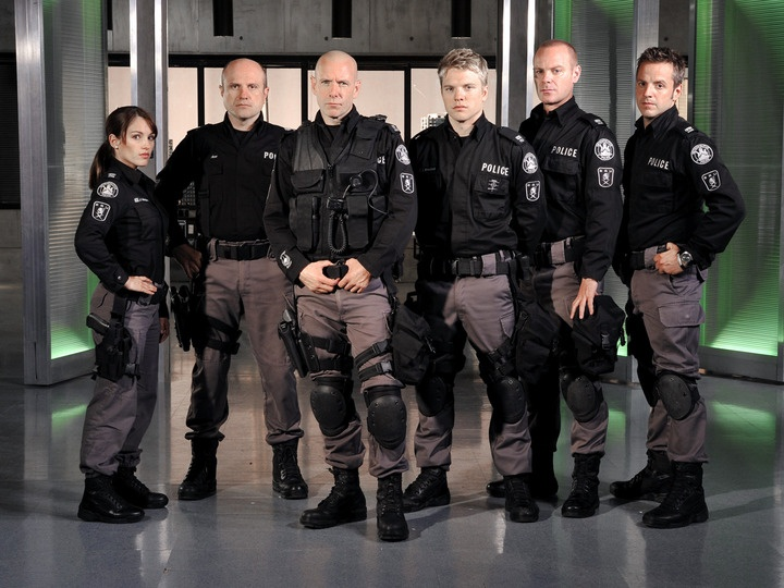 "An Honorable mention to/about all the cast of ""Flashpoint""! Love that show! ❤"