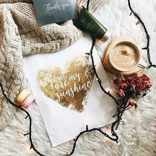 #Утро начинается с улыбки. #Улыбка – это #кнопка #хорошегонастроения. Вот и нажмите ее с утра, еще до того момента, когда Вы встали с постели. Подумайте о том, что это новый чистый #день, #улыбнитесь  этому дню, скажите ему «#доброе утро!», представьте себе, каким чудесным он будет! #Начнитедень с приятных мыслей! Возьмите за правило: в момент пробуждения думать о чем-то хорошем. У каждого из нас найдется несколько таких мыслей. #мысли #момент #пробуждение #постель @ Arkhangelsk, Russia