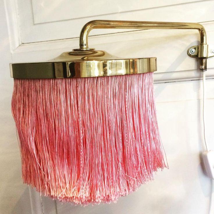 """168 gilla-markeringar, 42 kommentarer - No Name Vintage (@nonamevintageshop) på Instagram: """"Hans-Agne Jakobsson V267 wall light. Brass with pink silk fringes #nonamevintageshop #vintage…"""""""