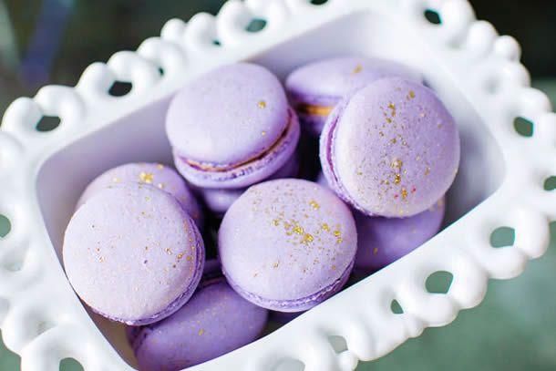 macarons roxos para festa amor perfeito;