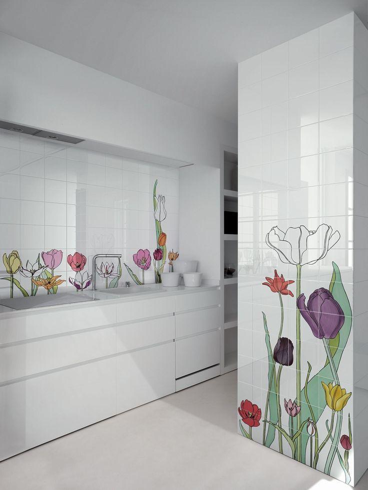 Tuli-tuli 1 hand painted ceramic tiles, Design Tuli-tuli 1 by Ronald Van Der Hilst .