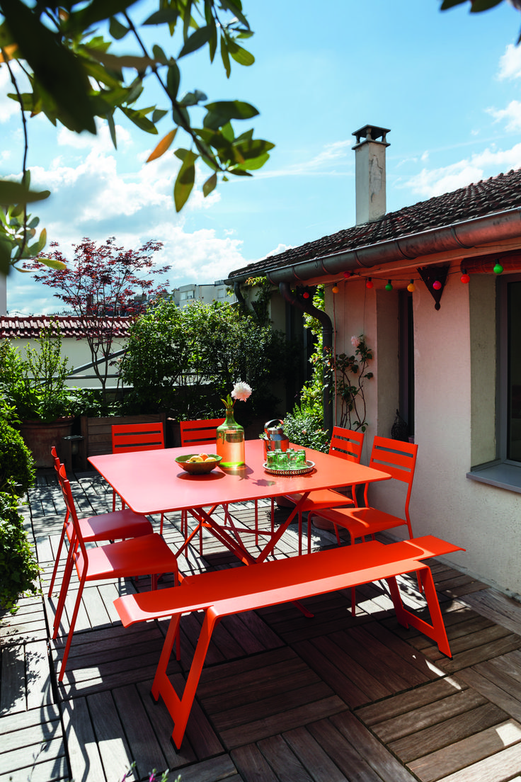 Whether in holidays or at home, let's enjoy a sunny day, eating outside the house !