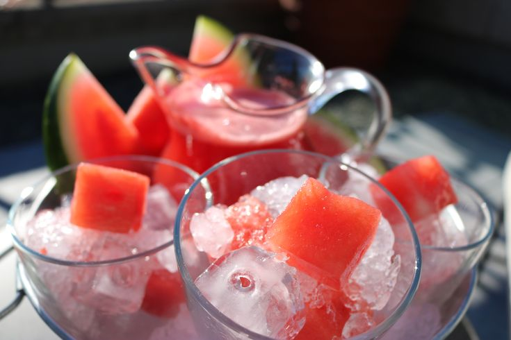 Ingredients Yield: 6    Watermelon - medium size  375 ml Ginger Ale  4 oz Vodka (your favourite brand)  Ice Cubes and Crushed Ice  Preparation Difficulty: Easy Time: 2 Hours Total Time:     Peel and slice