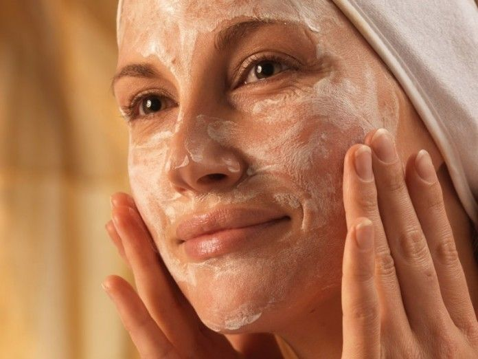 L'effet incroyable de soulever et rajeunir le visage lors de l'utilisation d'un masque de riz est très facile à expliquer. Le riz contient de l'acide linoléique et du scalène, un puissant antioxydant qui stimule la production de collagène. Les rides apparaissent...