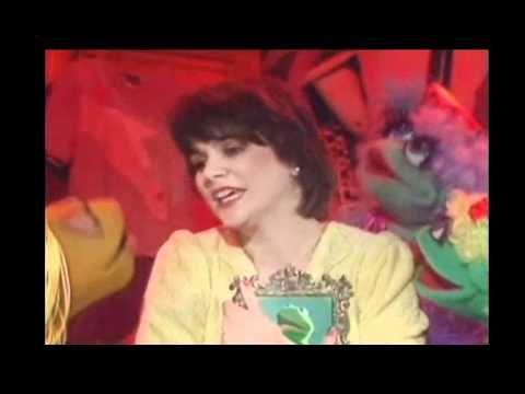 Linda Ronstadt - Shoop Shoop Song (It's In His Kiss)  Great version!!