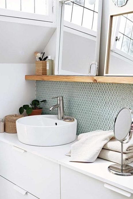 All Details You Need To Know About Home Decoration In 2020 Kleine Badezimmer Inspiration Badezimmer Fliesen Kleines Bad Fliesen
