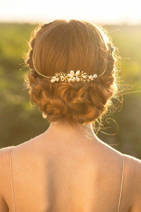 un chignon romantique, mariage, bijou de cheveux, accessoire, dos ouvert