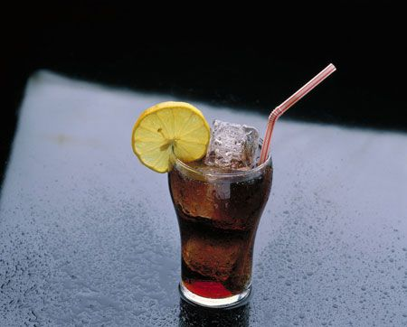 Disturbing side effects of soda, even the non-caffeinated kind.Get Healthy, Diet Tips, Disturbing Facts, Diet Sodas, Drinks Diet, Healthy Eating Tips, Drinks Sodas, Disturbing Side, Diet Coke