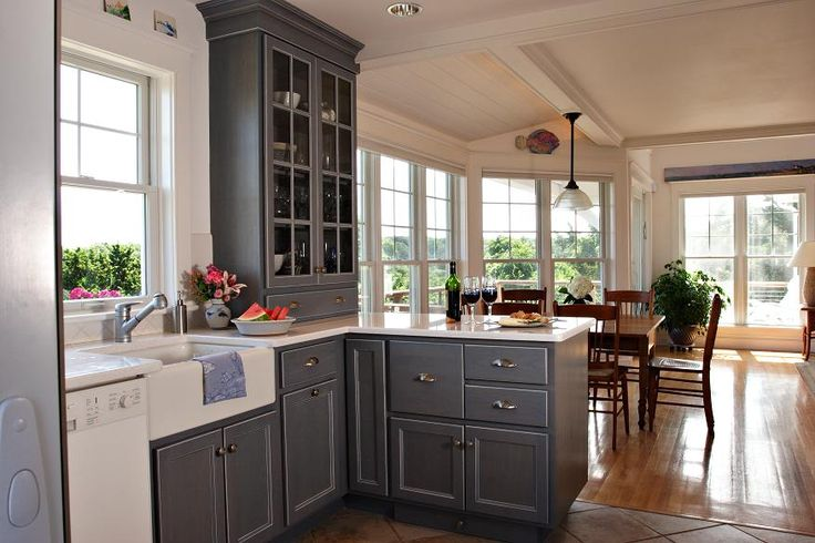 ceiling simple beam.....half wall ..glass in cabinet doors windows !