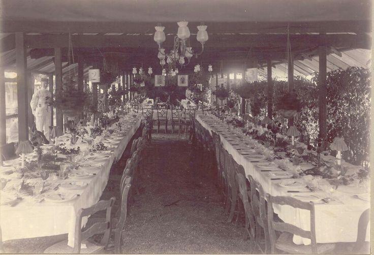 Verjaardag koningin Wlhelmina 31 augustus 1910 gevierd in Paramarbo....fotograaf Augusta Curiel