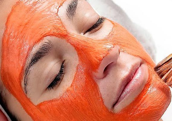 La calabaza se puede convertir en la mejor aliada para cuidar la belleza de tu piel. Aprende a elaborar una mascarilla para atenuar manchas y arrugas.