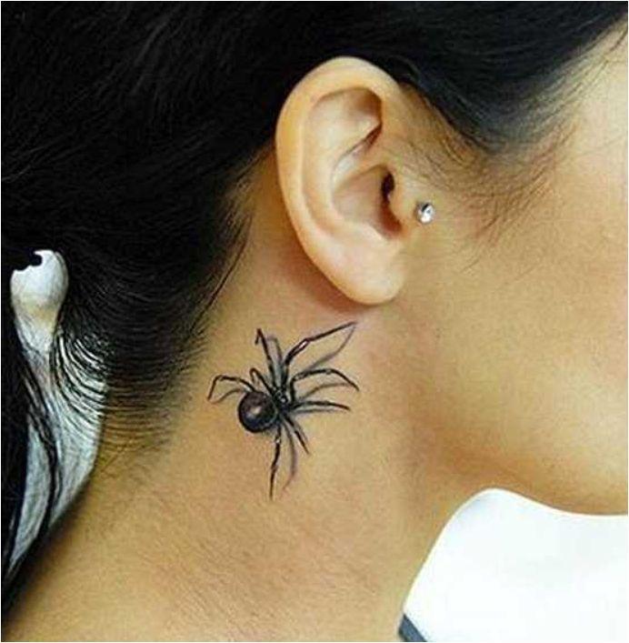 Hals-Tattoo - Spinne