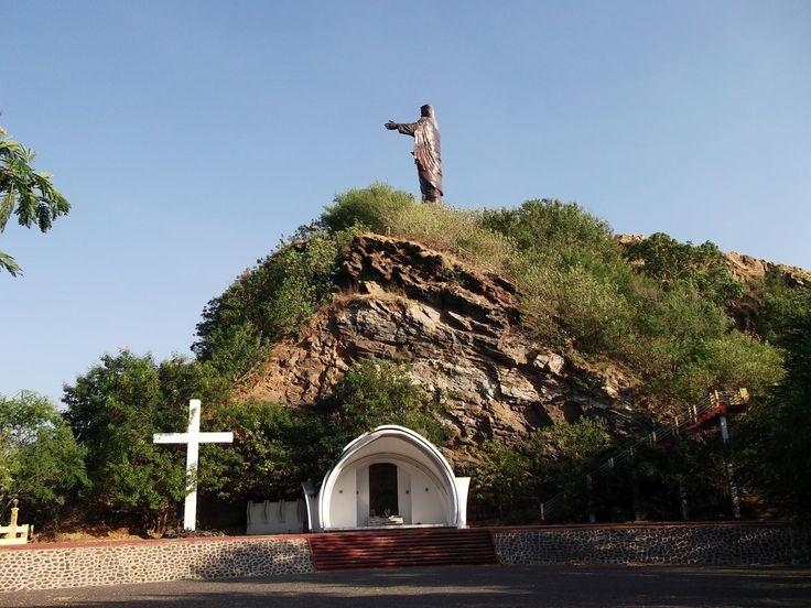 TIMOR LESTE | Lei e Ordem: Timor-Leste: o Cristo-Rei.