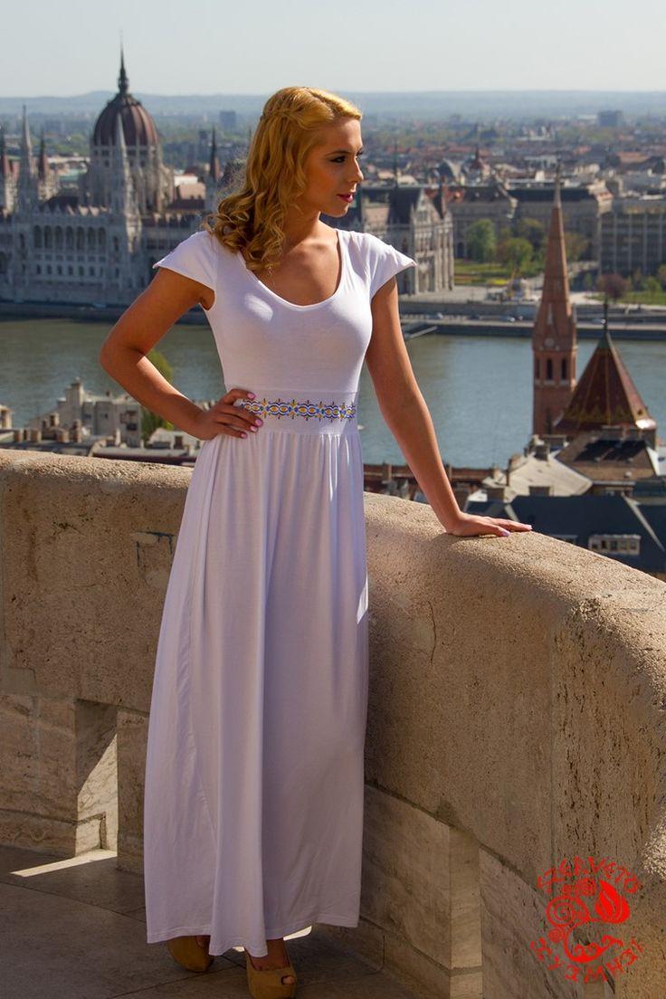 Szervető-jászsági ruha - fehér