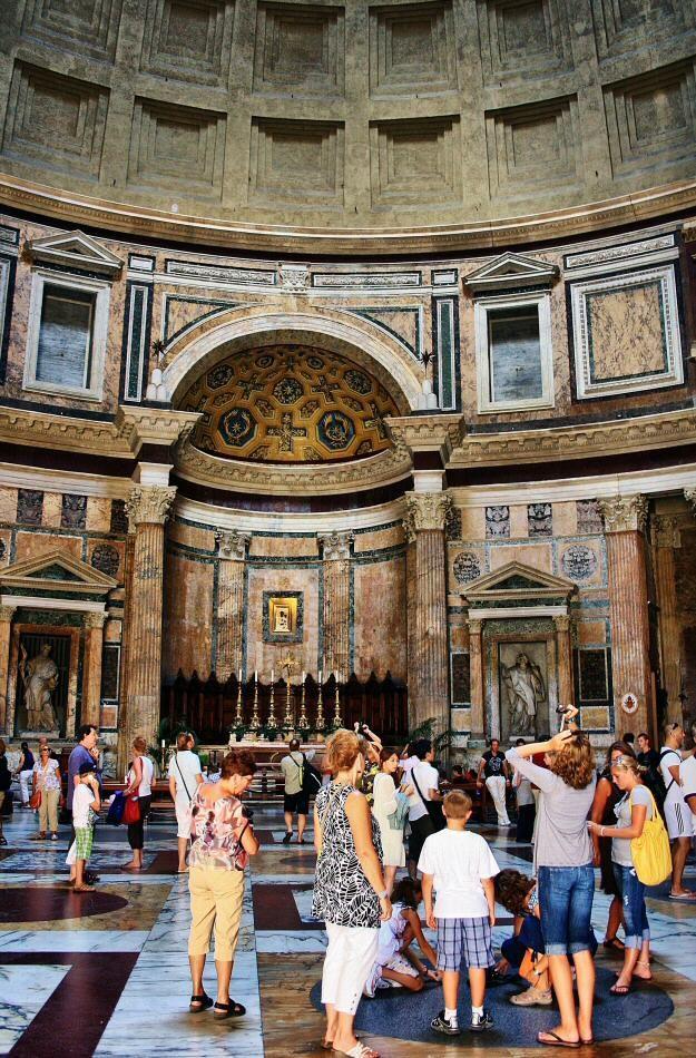 Interior del Panteón de Agripa en Roma
