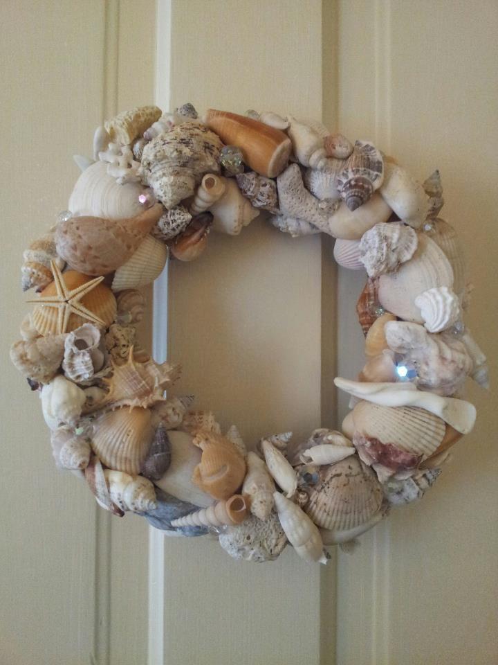 Seashell wreath for bathroom :)