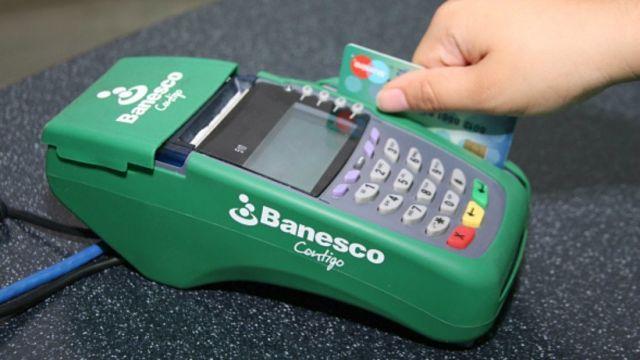 Banesco aumenta límites diarios para puntos de venta y BanescoMóvil /  Caracas.- La institución financiera incrementó hasta Bs 40.000.000 los montos máximos diarios de las tarjetas de débito Banesco Maestro para consumos en puntos de venta, mientras que para operaciones a través de BanescoMóvil, los clientes naturales y jurídicos podrán transferir hasta Bs 50.000.000 por día. Banesco informó a través de una