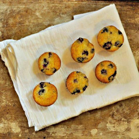 Mini muffinki jagodowe