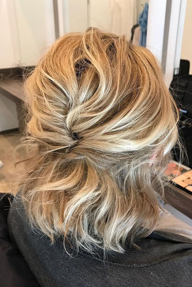 Wedding Hair Half Up Half Down Messy For Short Hair Les Allures Via Instagram Short Hair Updo Wedding Hair Half Hair Styles