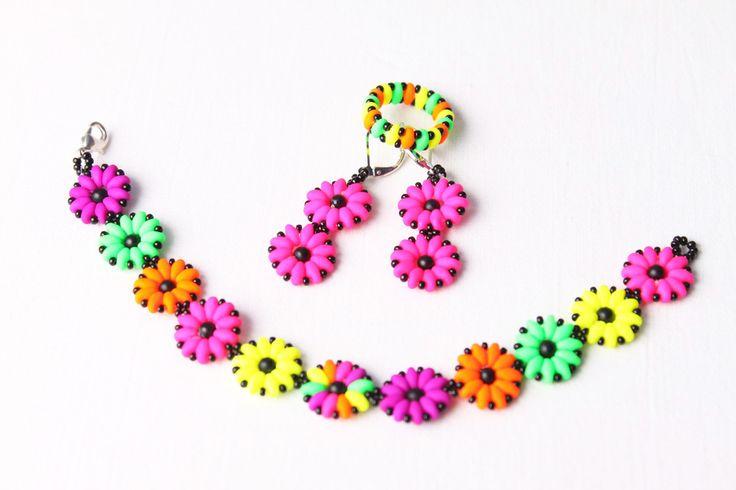 Letní šperky z korálků SuperDuo v neonových barvách