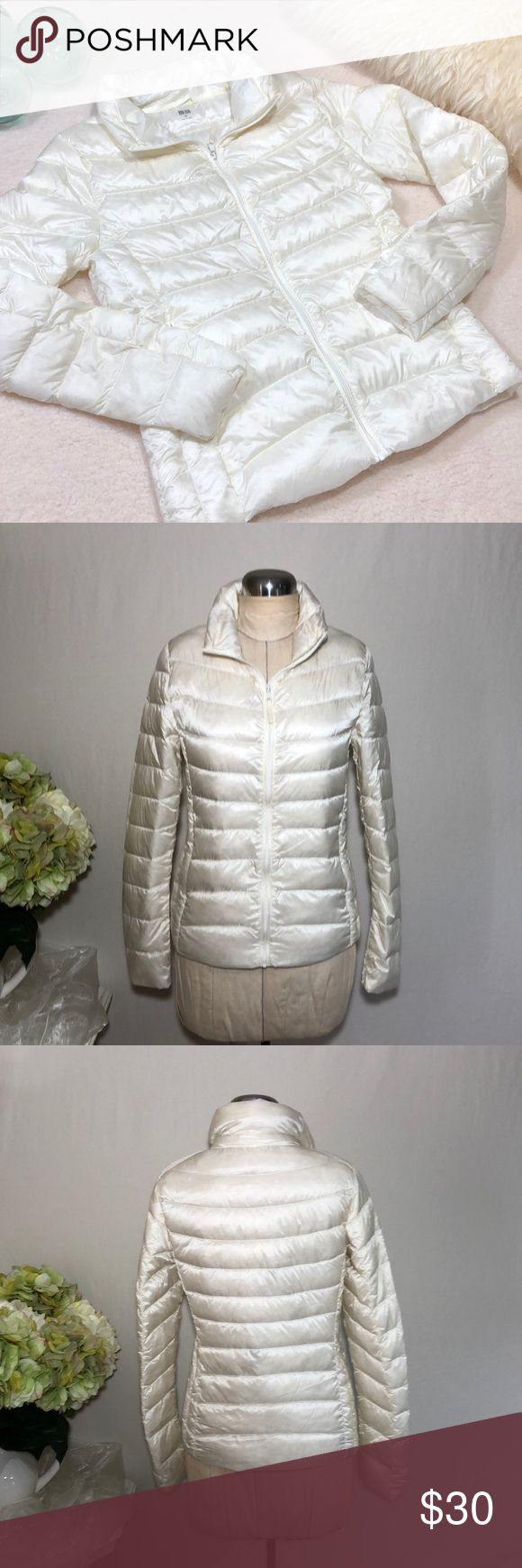 Uniqlo Women's Down Filled Puffer Jacket Excellent