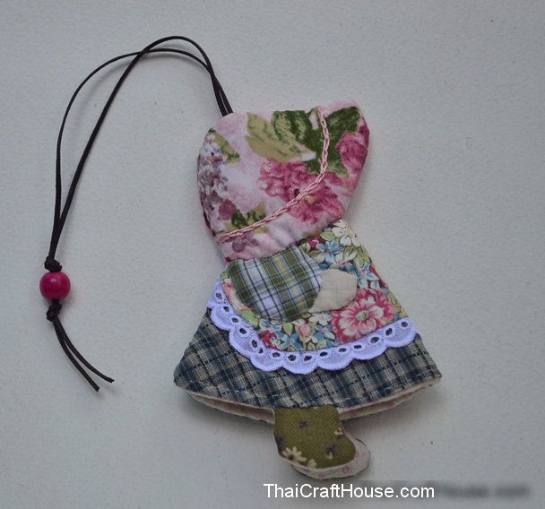 """Sun Bonnet Sue Cotton Key Cover,Handmade, 4 x 5.5"""" by ThaiCraftHouse on Etsy"""