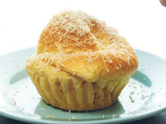 262 best filipino desserts and kakanin images on pinterest this traditional filipino pastry is best paired with hot tsokolate learn how to make them at home with this ensaymada recipe forumfinder Image collections