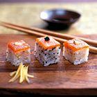 Een heerlijk recept: Geperste sushi met gerookte zalm of forel