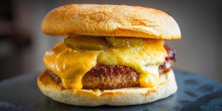 HESTONS BURGER: Heston Blumenthals burger er ikke som andre burgere. Den er helt suveren.
