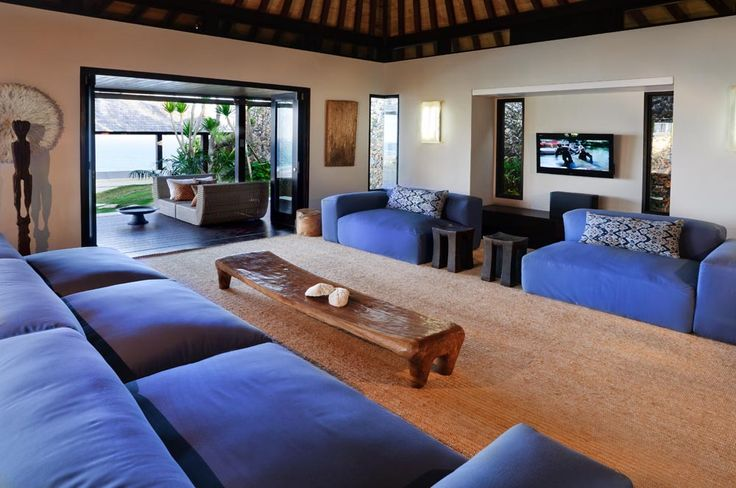 Villa Pawana's living room can also be enjoyed opened to the gardens or closed and fully air conditioned. #semarauluwatu #bali